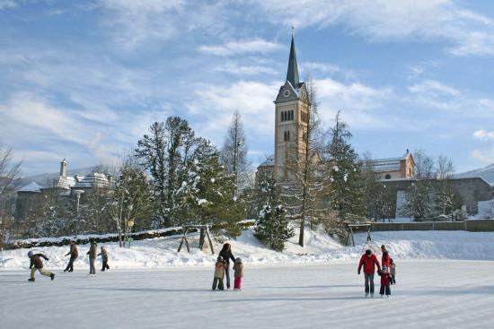 Eislaufen & Eisstockschießen - Winterurlaub Radstadt - Salzburger Land - Ferienwohnungen Pedross